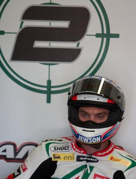 11 Racer QV6D3123