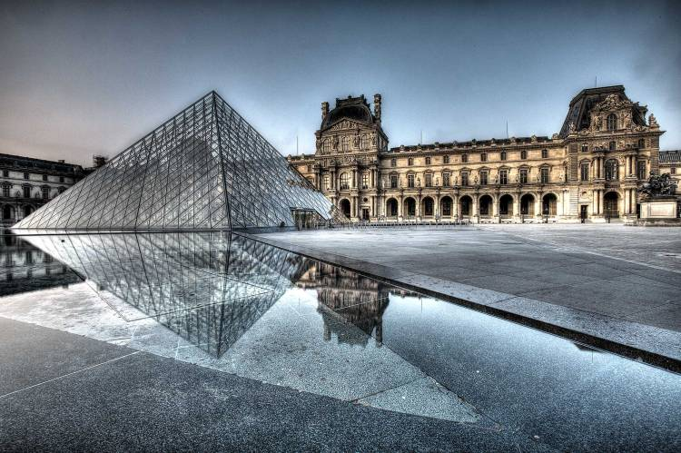 The Louvre HDR Daylight