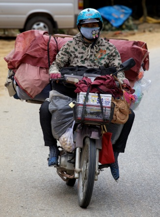 Laden bike head on