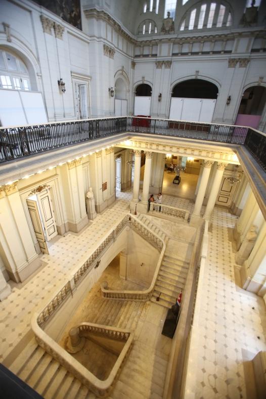 Nice foyer